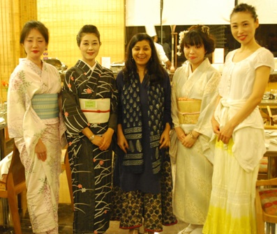 Japanese ladies with Sharmila, author of CHEERS